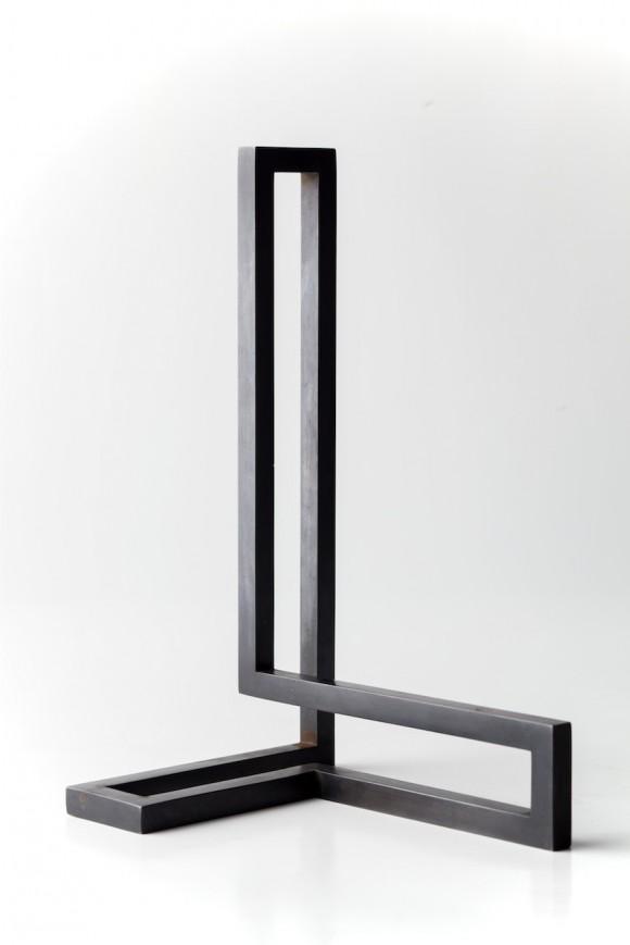 Escultura de acero patinado